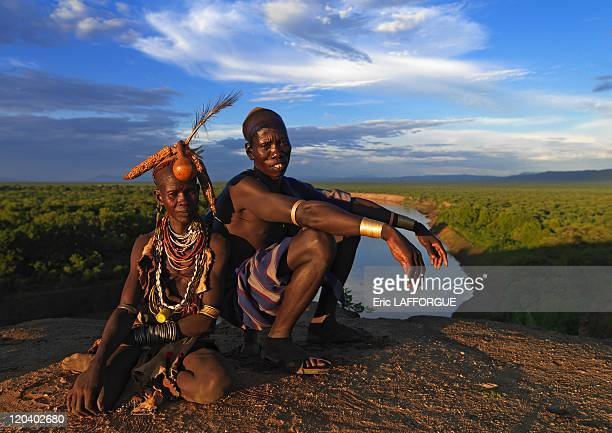 Couple from Karo tribe on Korcho village in Ethiopia on October 29 2008 The Karo with a population of about 1000 1500 live on the east banks of the...