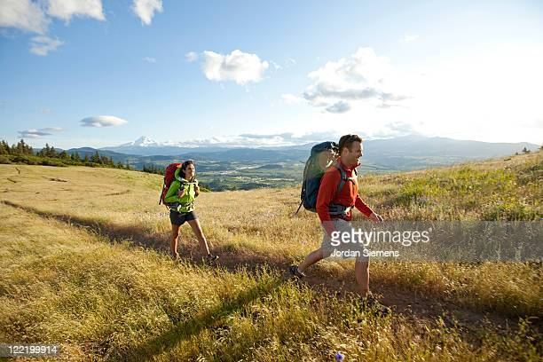 a couple hiking and camping. - portland oregon stock pictures, royalty-free photos & images