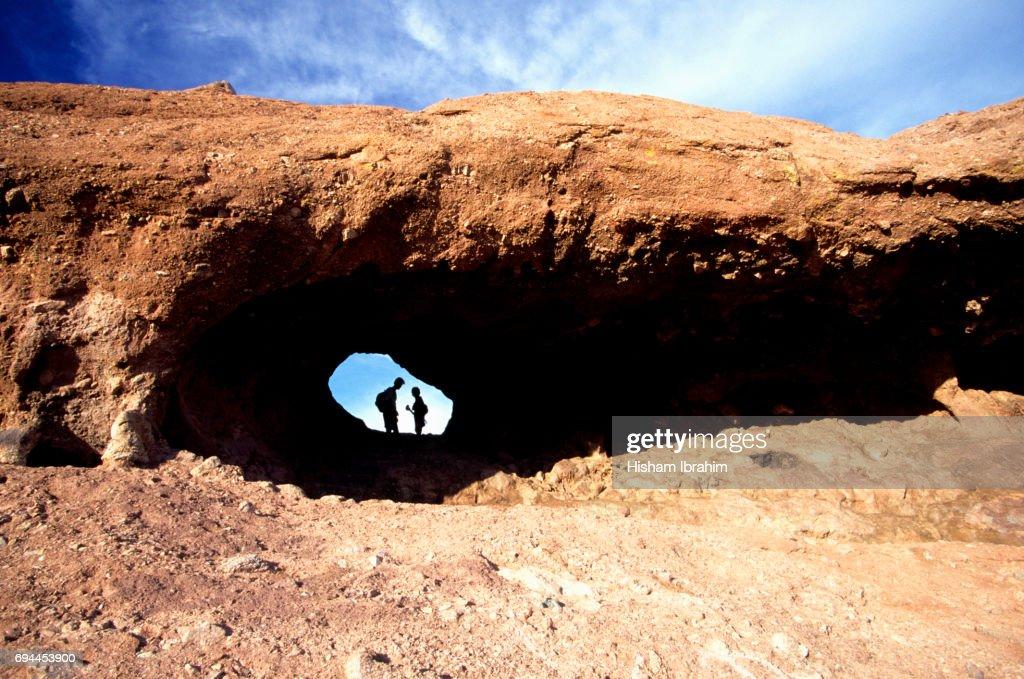 Couple Hiking In Papago Park Holeintherock Phoenix Arizona Usa Stock ...