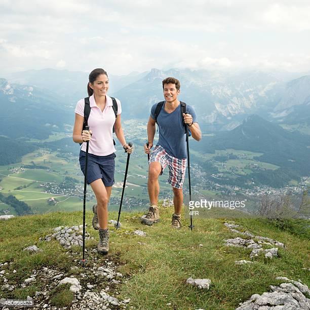 Paar Wandern im Freien, Freizeit