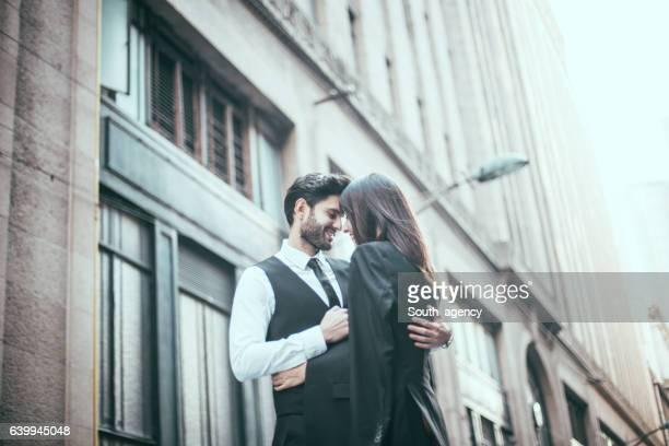 Couple se tenant