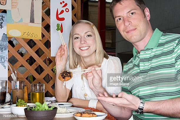カップルで、日本のレストラン