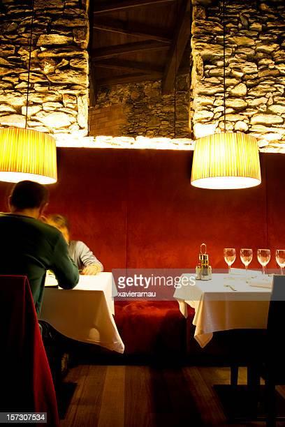Couple dans un restaurant