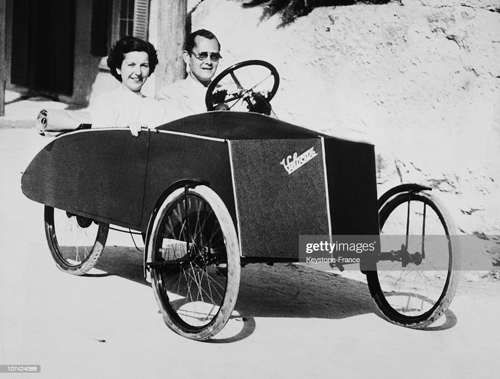 Couple In A Velocar During The Twenties : News Photo