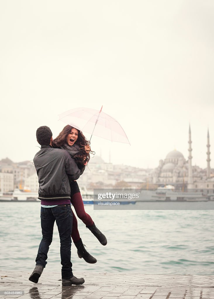 Dating femeie in Istanbul)