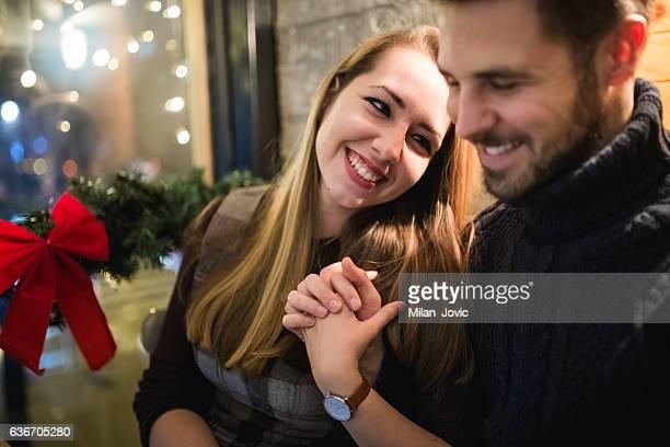 Paar in Liebe auf ein Datum