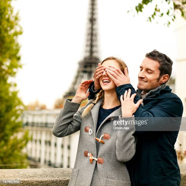 couple in paris - love is blind stock pictures, royalty-free photos & images