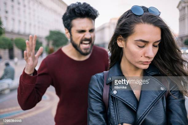 couple in relationship difficulties - human relationship stock pictures, royalty-free photos & images