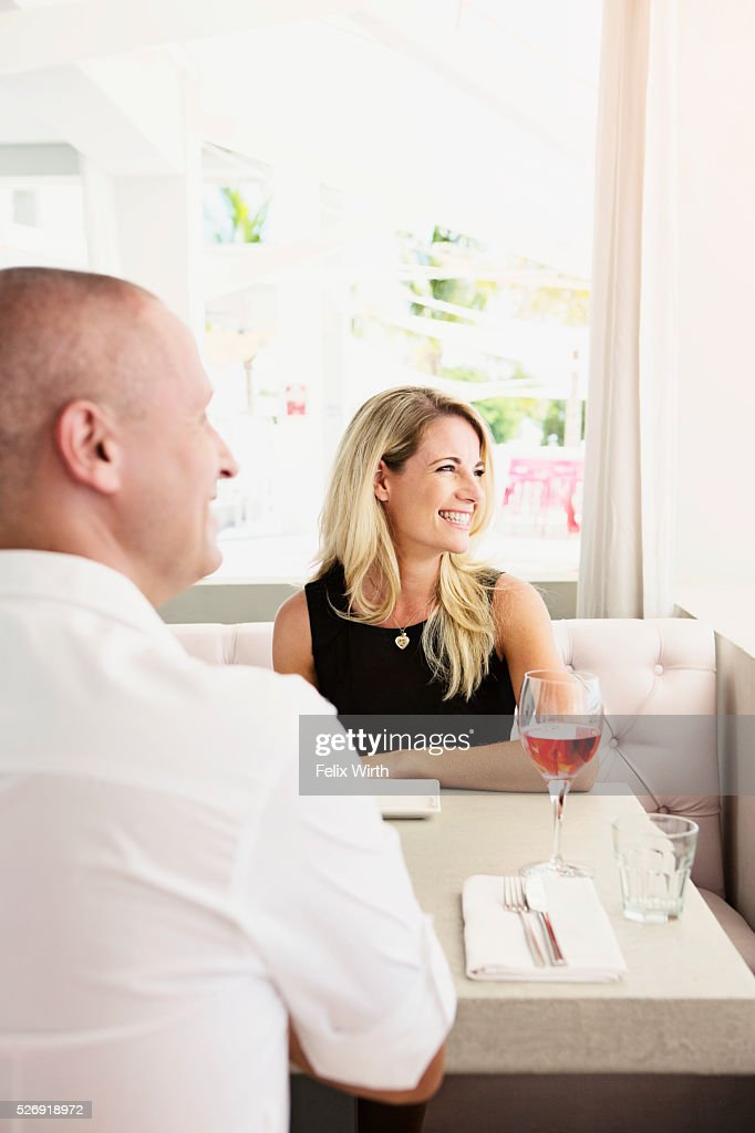 Couple in restaurant : Stockfoto