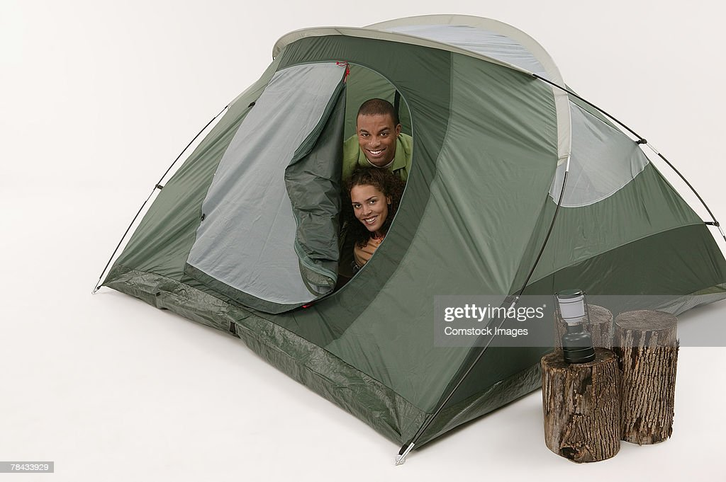 Couple in tent : Stockfoto