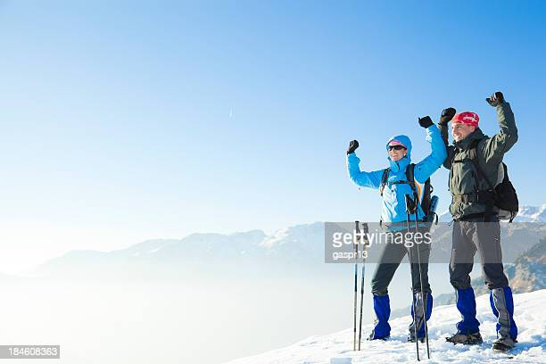 couple dans les montagnes