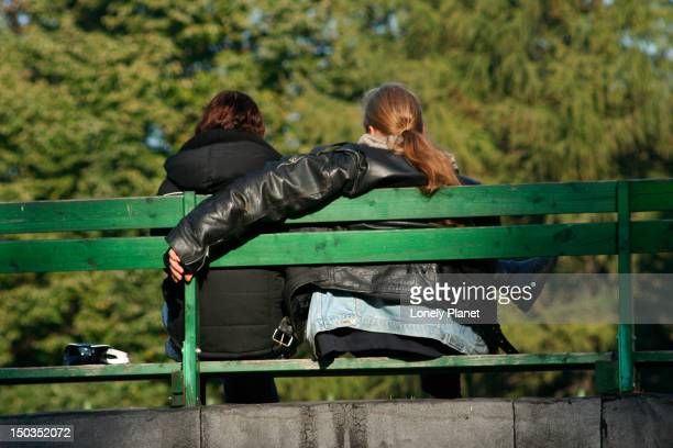 couple in tornide park. - harjumaa stock pictures, royalty-free photos & images