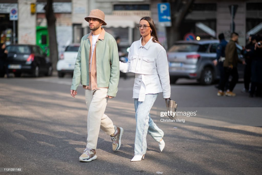 Street Style - Day 2: Milan Fashion Week Autumn/Winter 2019/20 : News Photo