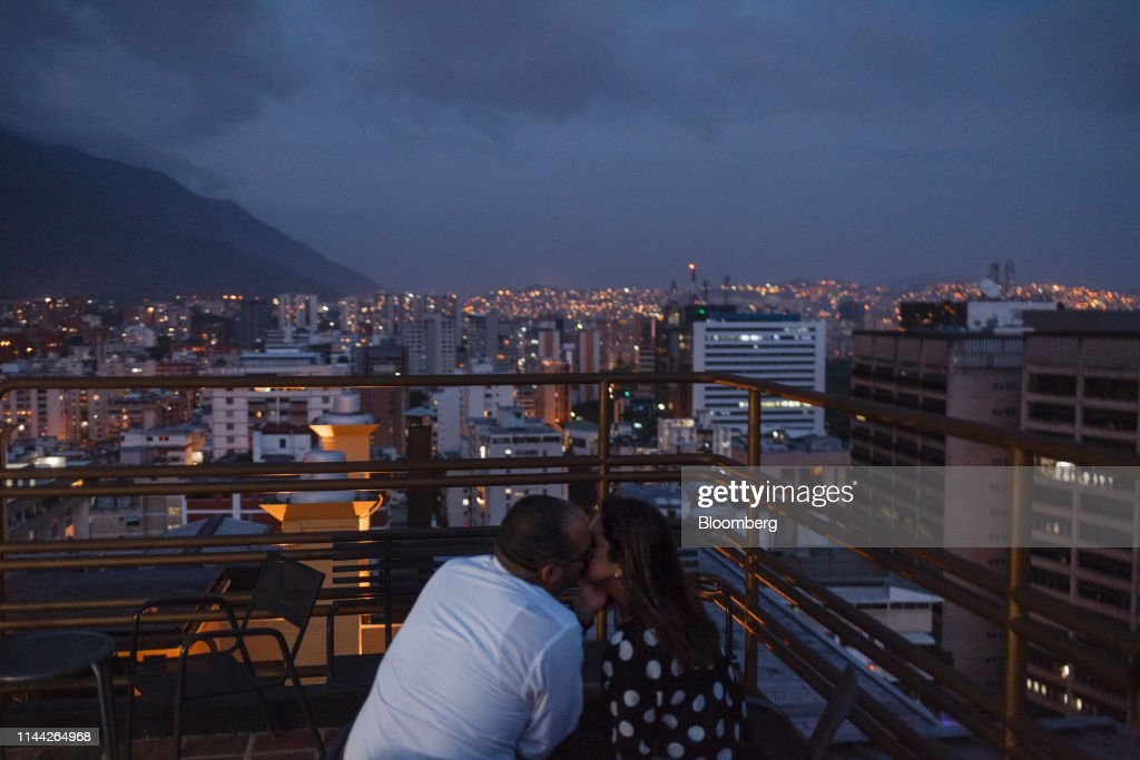 VEN: Tear Gas And Condom Shortages: Dating In Chaotic Caracas