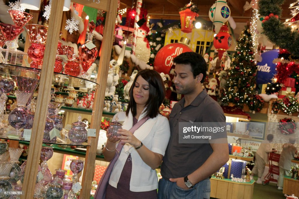 Bronners Christmas Ornaments.A Couple Looking At Christmas Ornaments At Bronner S