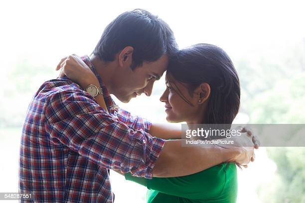 couple looking into each others eyes - category:cs1_maint:_others stock pictures, royalty-free photos & images