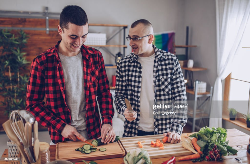 Couple making lunch together : Foto stock