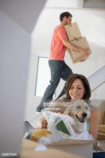 couple moving into new home - oliver eltinger stock-fotos und bilder