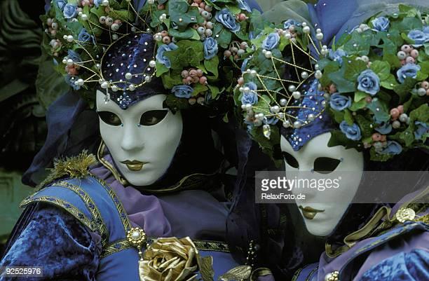 Coppia di bella donna in maschera di carnevale a Venezia (XXL