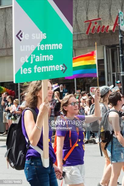 Paar Frauen Teilnehmer der LGBTQ-Pride-Parade in Montreal.