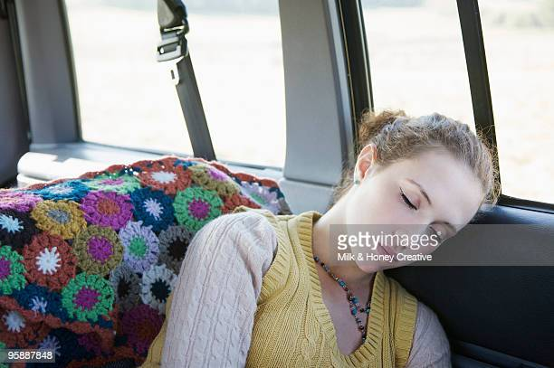 couple on roadtrip  - hair back stock pictures, royalty-free photos & images