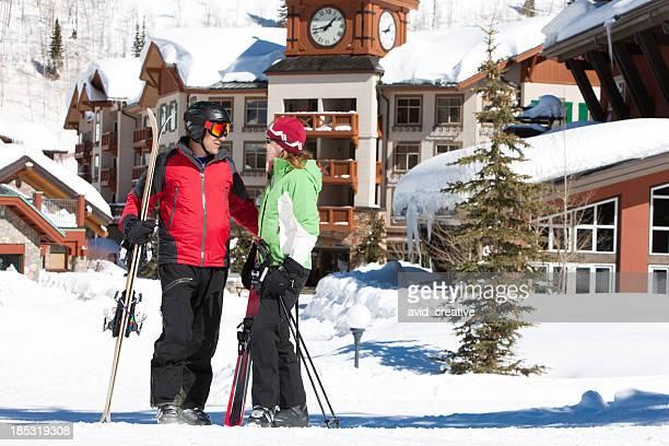 Couple en vacances au ski