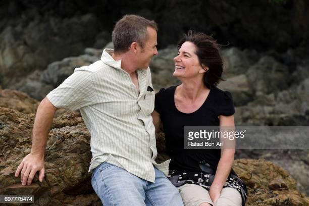 couple on summer holiday vacation - rafael ben ari stock-fotos und bilder