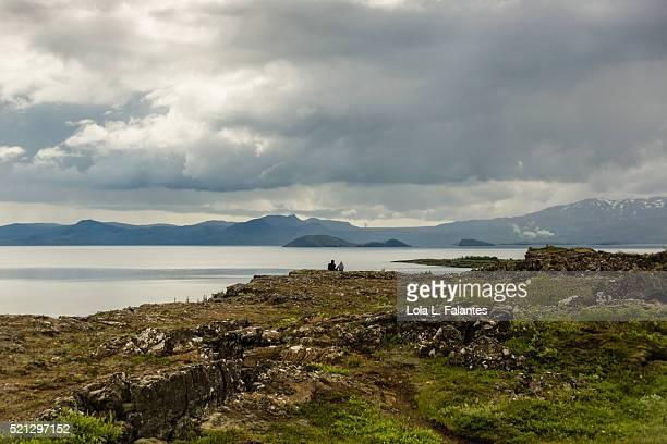A couple on  the cliffs of Þingvellir