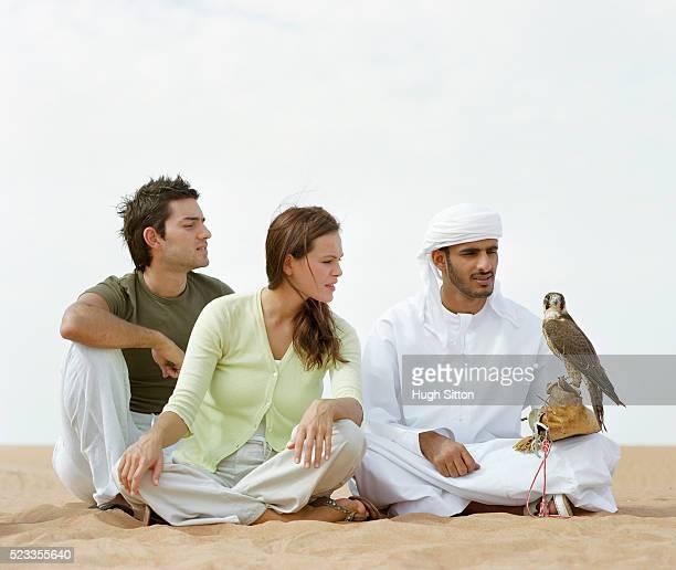 couple on vacation in dubai - hugh sitton stock-fotos und bilder