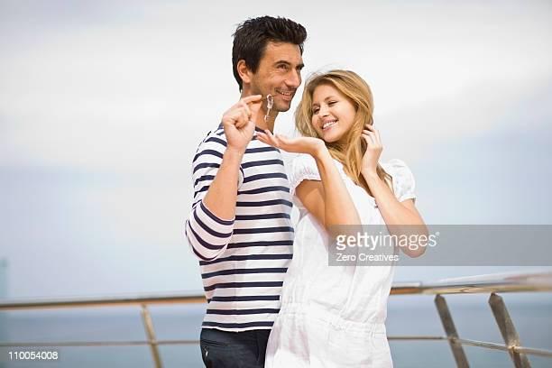 Couple sur un yacht