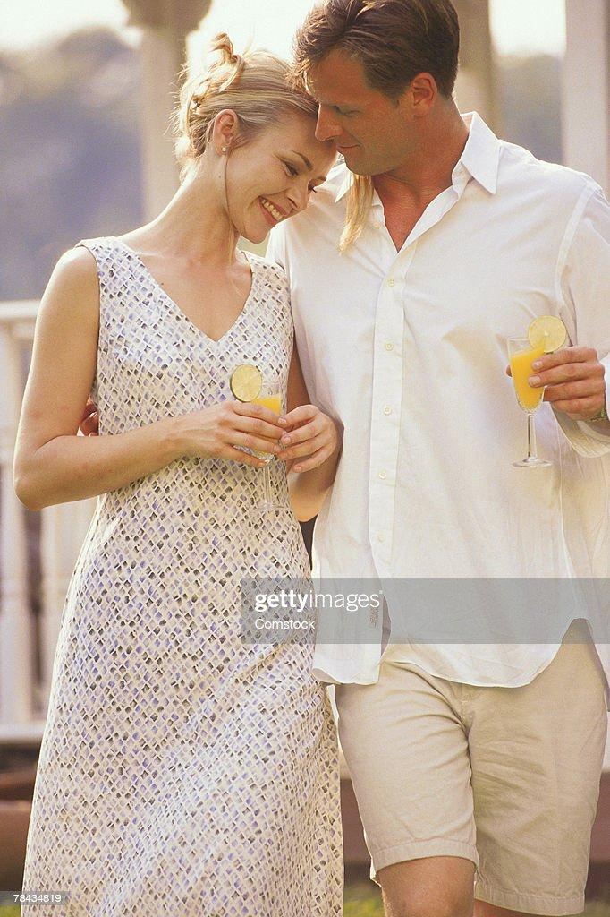 Couple outdoors : Stockfoto