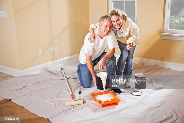 Couple de peinture Intérieur de maison