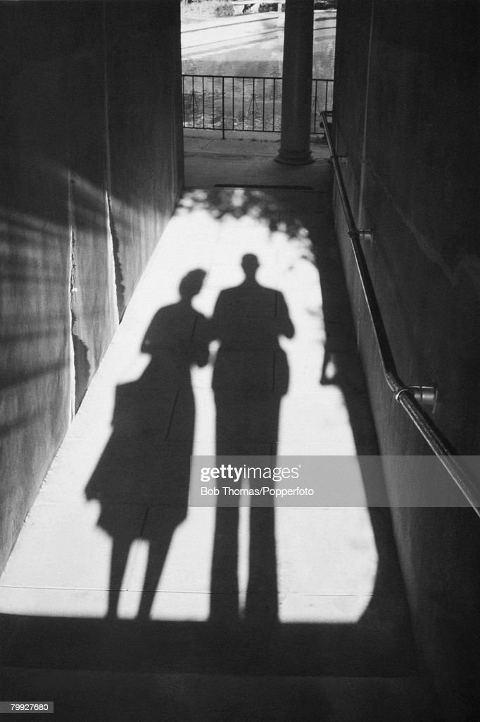 Silhouetted Couple : News Photo