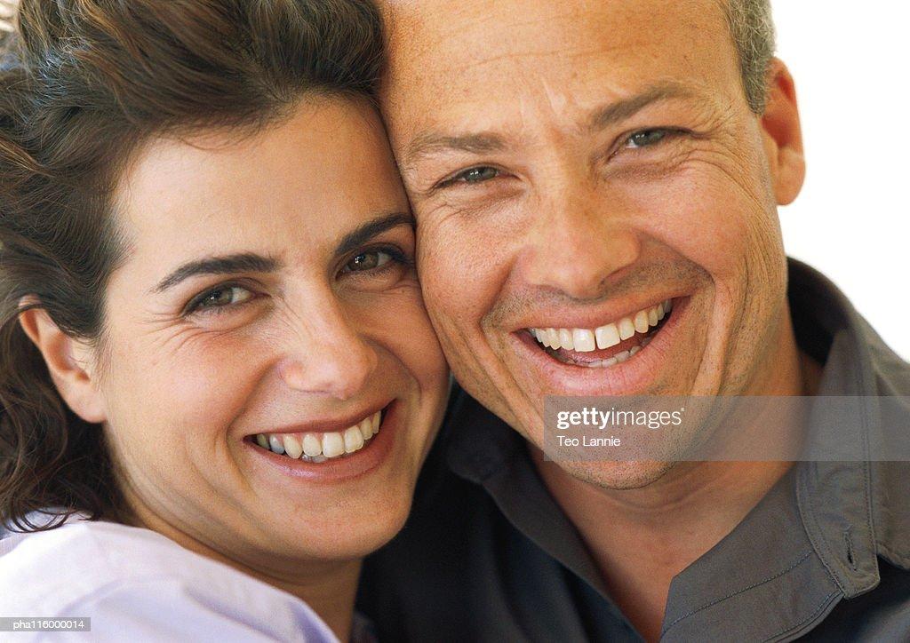 Couple smiling, close-up : Stockfoto