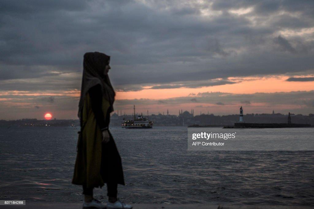 TOPSHOT-TURKEY-FEATURE : News Photo