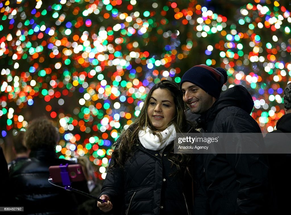 Christmas preparations in New York  : News Photo