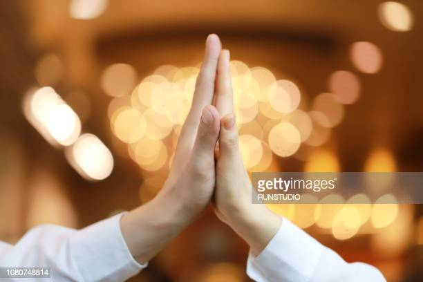 couple touching palms - 人体部位 ストックフォトと画像