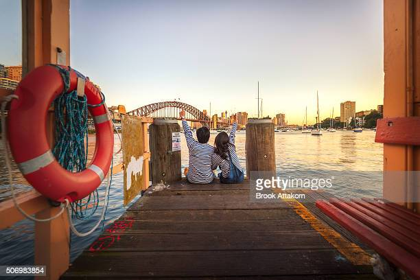 couple view in sydney - sydney stock pictures, royalty-free photos & images