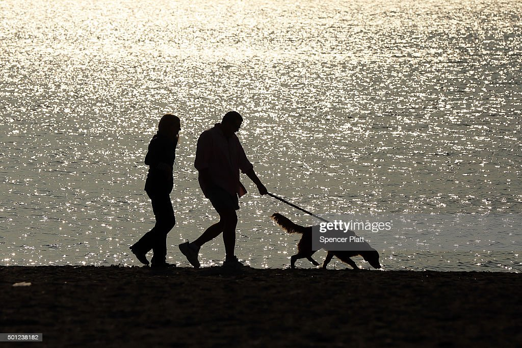 Record-Breaking Temperatures Bathe The Northeastern U.S. In Warmth : News Photo