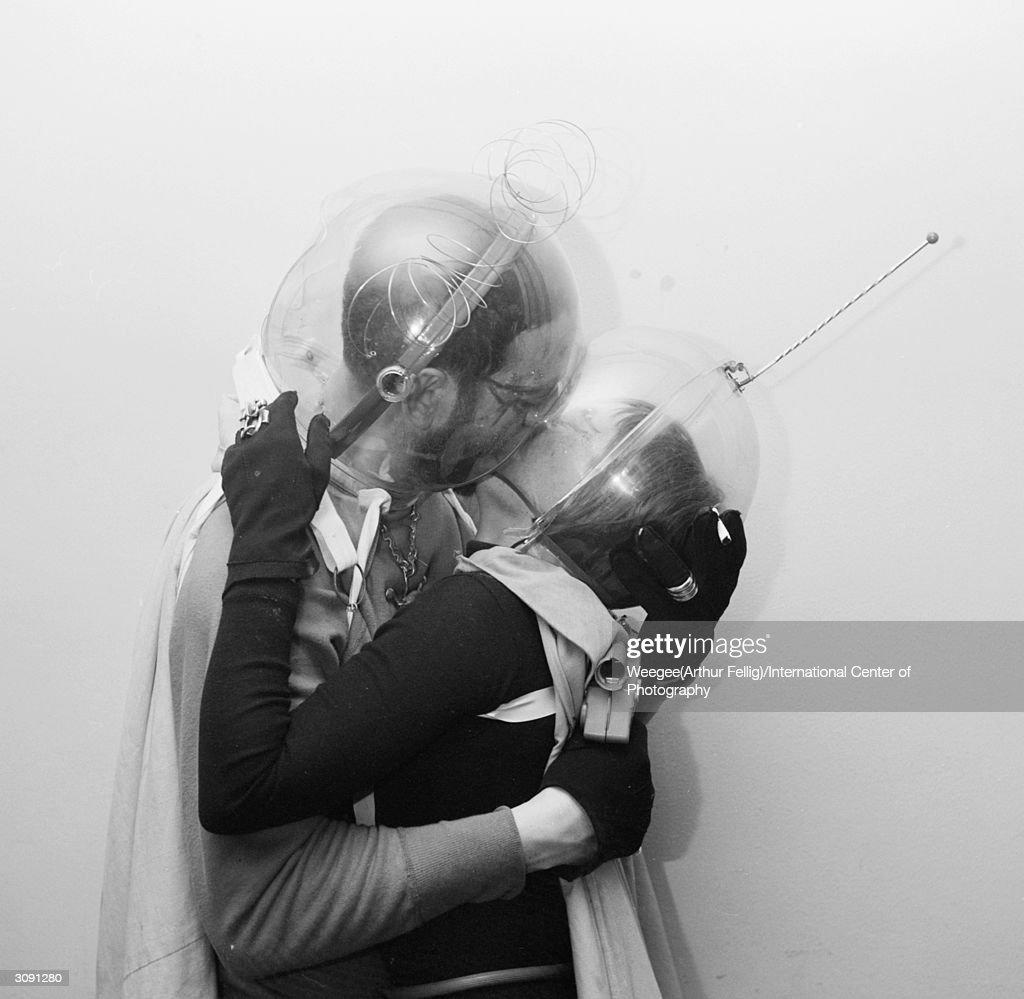 Space Kiss : Nachrichtenfoto