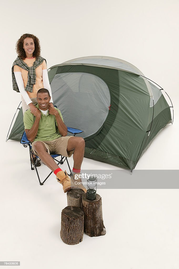 Couple with tent : Stockfoto