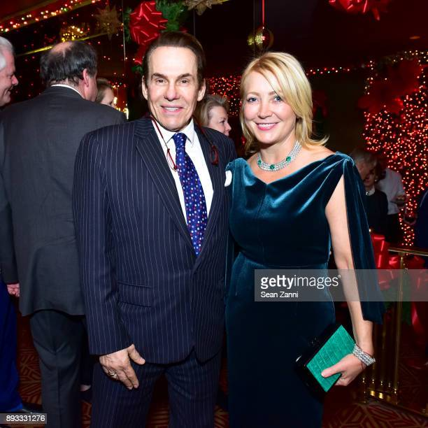 R Couri Hay and Janna Bullock attend A Christmas Cheer Holiday Party 2017 Hosted by George Farias and Anne and Jay McInerney at The Doubles Club on...