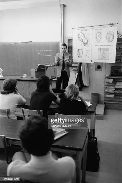 Cours d'éducation sexuelle dans une classe à Stockholm en septembre 1973 Suède