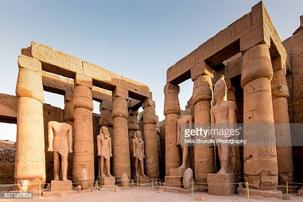 court of amenophis iii, luxor temple, luxor, egypt - luxor thebes stock pictures, royalty-free photos & images