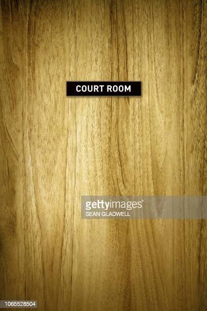 court room - 法律関係の職業 ストックフォトと画像