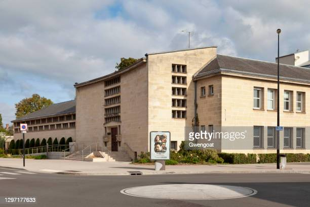 courthouse of abbeville - gwengoat stock pictures, royalty-free photos & images