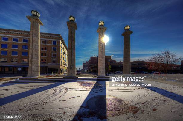 courthouse plaza columns - columbia missouri stock pictures, royalty-free photos & images
