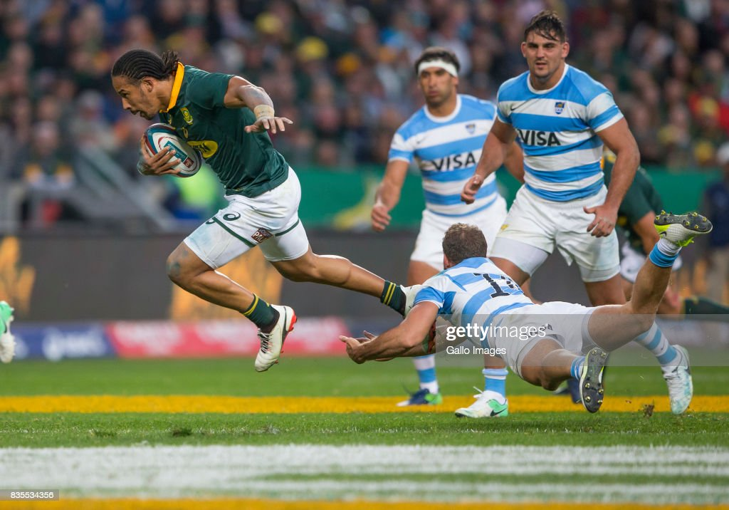 Courtnall Skosan of the Springbok Team and Emiliano Boffelli of Argentina during the Rugby Championship match between South Africa and Argentina at Nelson Mandela Bay Stadium on August 19, 2017 in Port Elizabeth, South Africa.