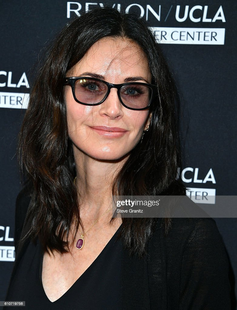 Courtney Cox arrives at the Revlon's Annual Philanthropic Luncheon at Chateau Marmont on September 27, 2016 in Los Angeles, California.