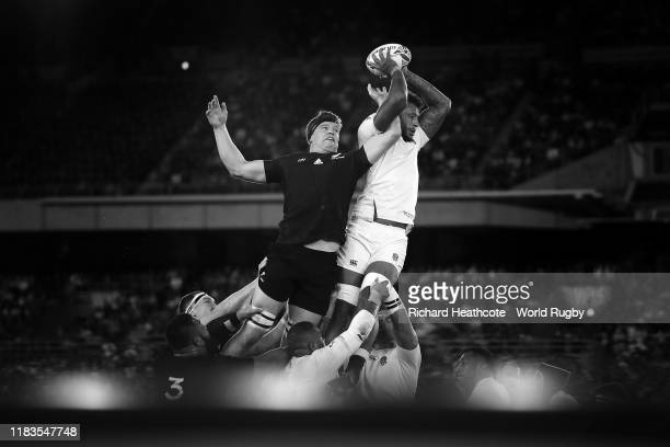 Courtney Lawes of England wins a lineout over Scott Barrett of New Zealand during the Rugby World Cup 2019 SemiFinal match between England and New...